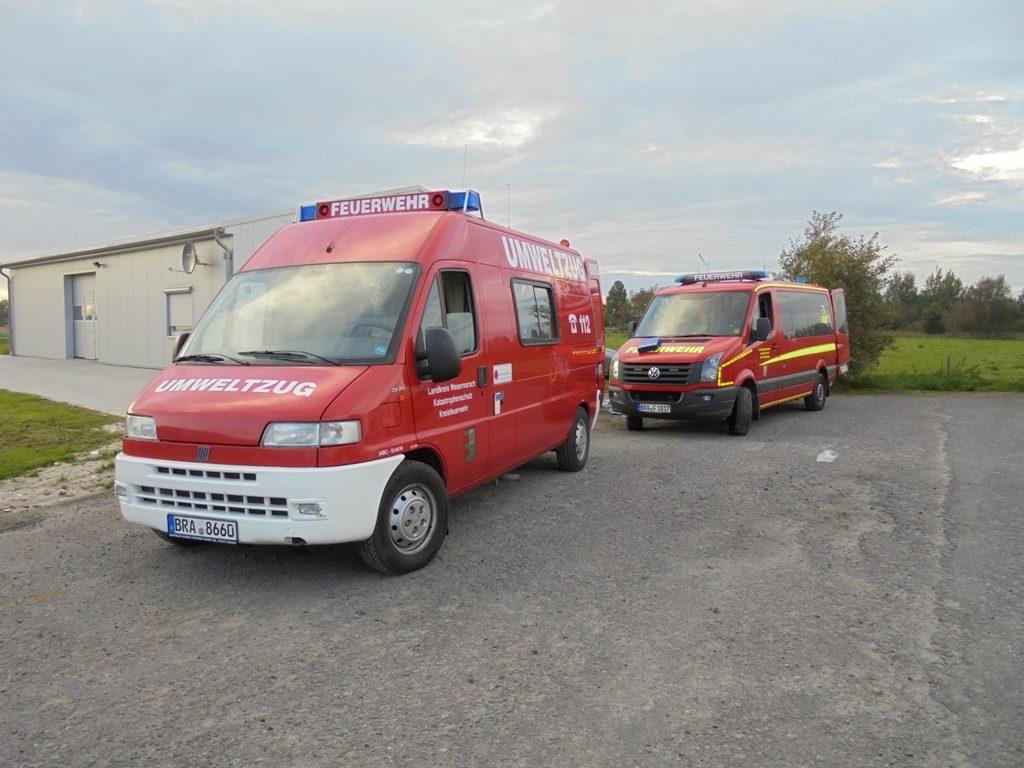 Die Messgruppe Mitte war mit dem Erkundungskraftwagen der Kreisfeuerwehr Wesermarsch sowie dem ELW der Feuerwehr Schweiburg angerückt